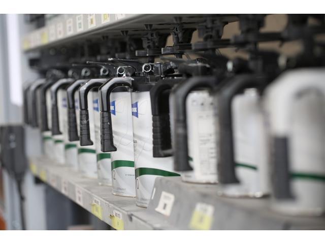 高品位塗料スタンドックスを使用しております。国産車・輸入車全てのメーカー車種、カラーに対応しています