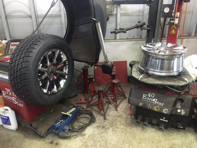 タイヤ交換バランスは20インチ以上も対応