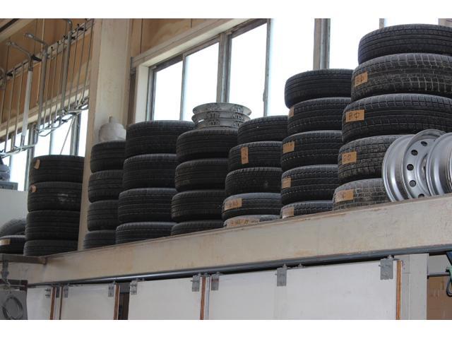 タイヤ保管サービスございます