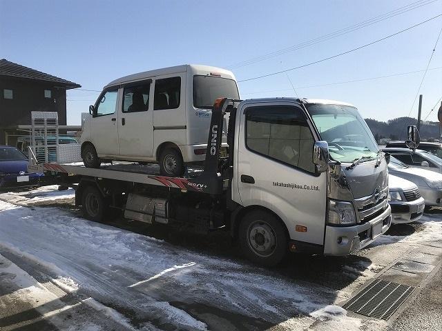 積載車完備。納車引き取りはもちろん万が一の事故引き上げにも対応致します。