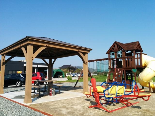 小さな公園もございますので、お子様ずれの方は是非ご利用ください!