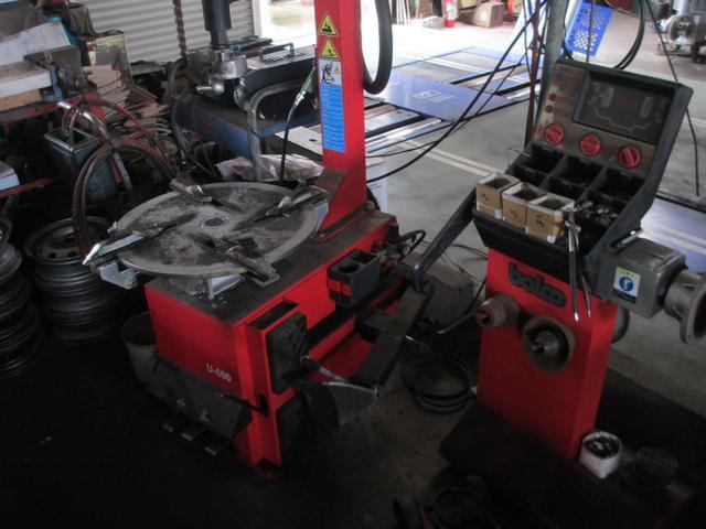タイヤチェンチャー及びタイヤバランサー完備