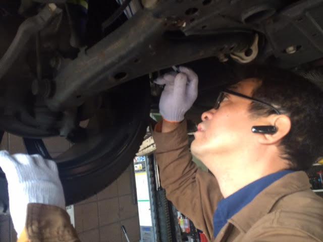 細かいところまでしっかりチェック!普段のメンテナンスがお車と長くお付き合いするコツです!
