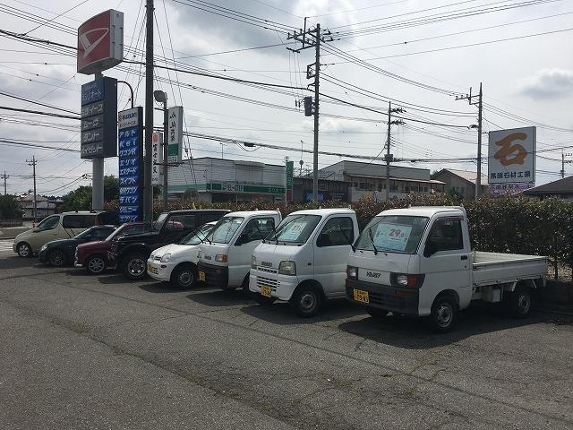 軽自動車を中心に中古車も展示しております。お買い得な車両を厳選しいれ。