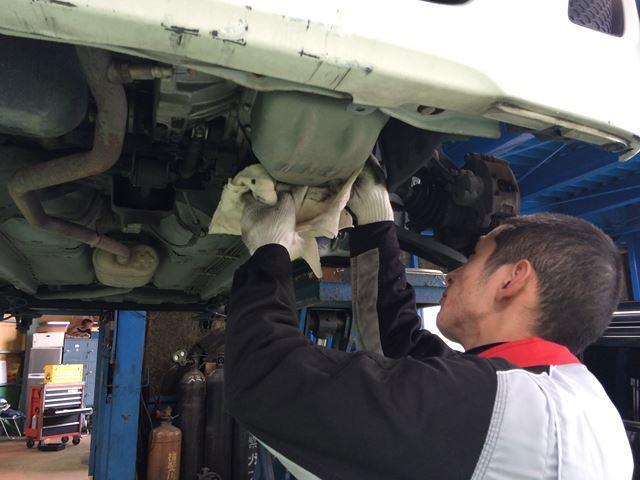 大切なお車を経験豊富な整備士がキッチリ整備いたします。