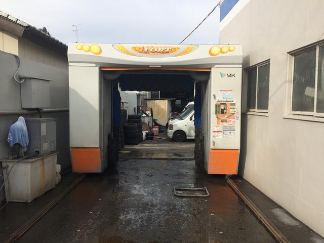 洗車機も完備しております。もちろん洗車だけのご来店OKです!