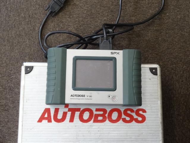 コンピュータ診断機もあります。