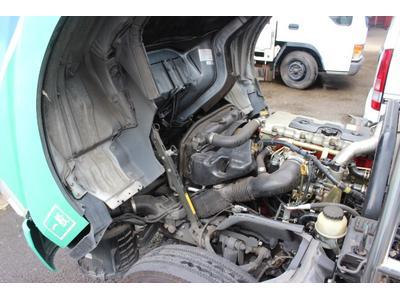 トラック・バンの整備修理もお任せ!