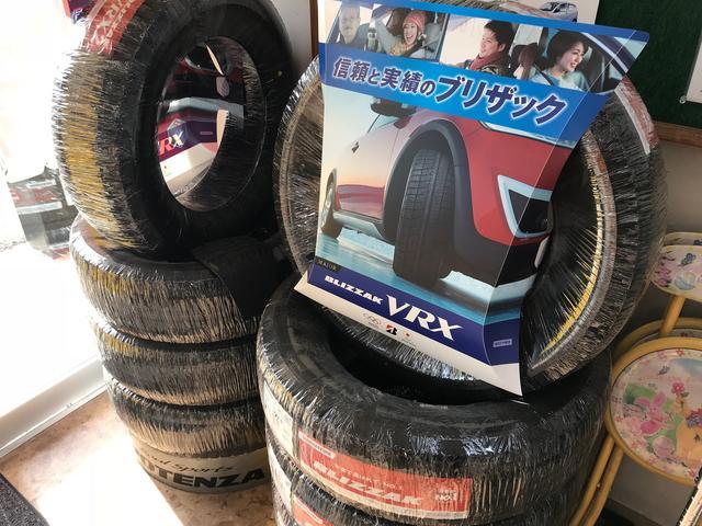 タイヤ販売もお任せください。もちろん持ち込みの組み替えも承ります!