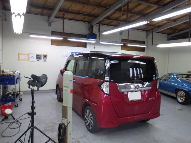 こちらは仕上げスペースです。お車を綺麗に仕上げます。