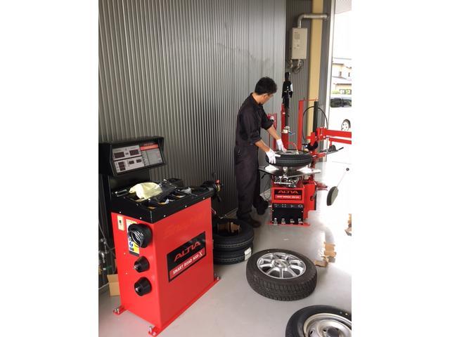 ALTIA最新タイヤチェンジャー バランサー完備!タイヤサイズ12~24インチまで対応しています。