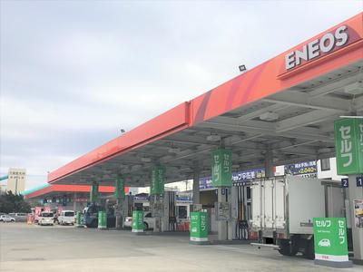ガソリンスタンドも併設!