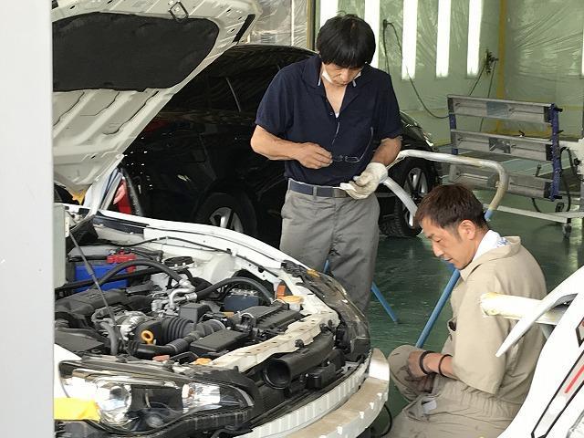 技術をもったプロの整備士、鈑金職人が対応。