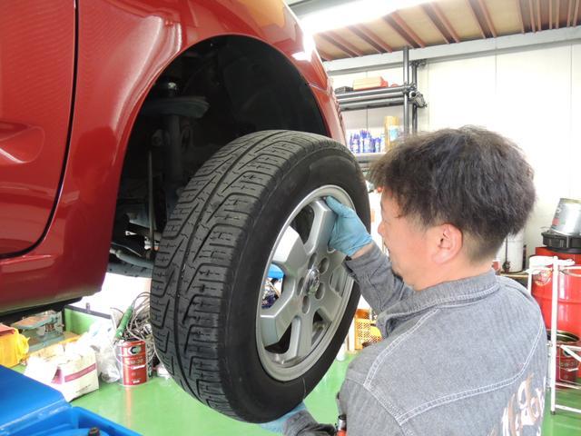 タイヤの交換、販売も得意分野でございます!