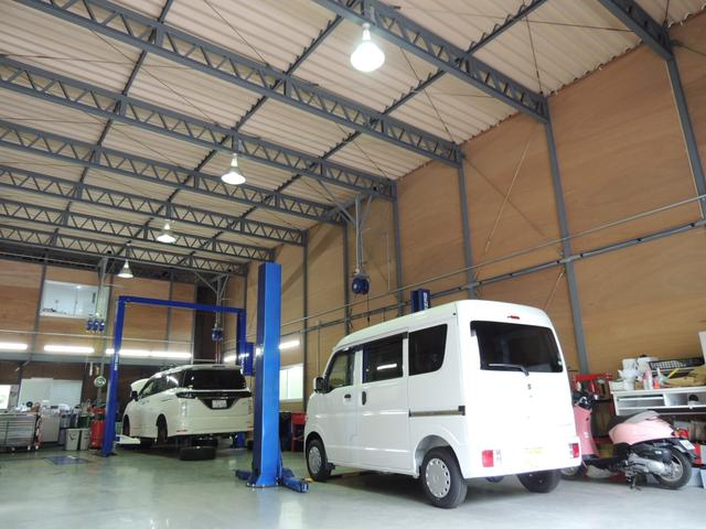 当社は、2015年10月にOPENをし、整備工場を新設しました。設備は最新、整備士は経験豊富