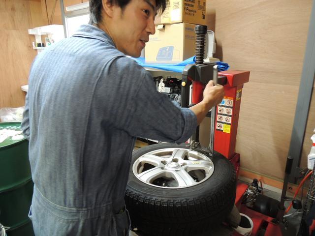 タイヤの組み換え交換もご相談ください。もちろん、販売も可能となっております。