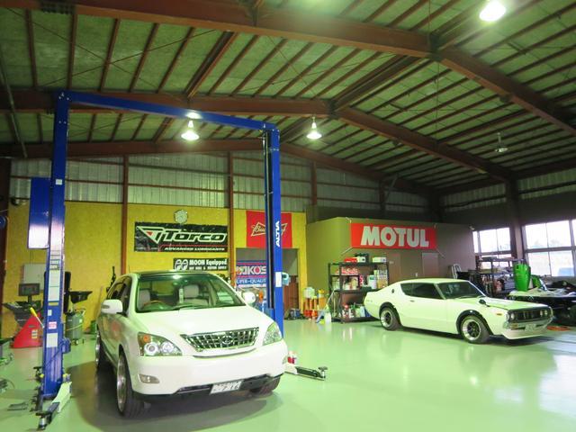カスタム、輸入車はもちろん軽トラ・軽自動車などどんなお車にも対応しています!