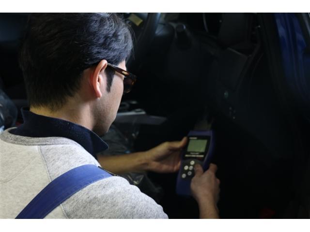 診断機と目視でお車の不調を細部まで徹底的に調べ上げます!