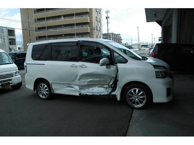 事故修理の保険対応もしております。お気軽にご相談ください。最安値で施工します。