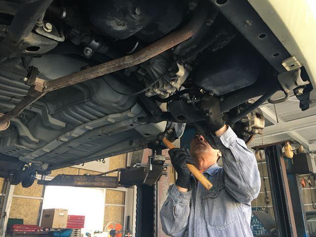 お車の車検・修理・パーツ取付など何でもご相談ください