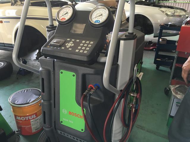 フロンガス回収再生装置 ACS751完備、エアコン修理お任せください