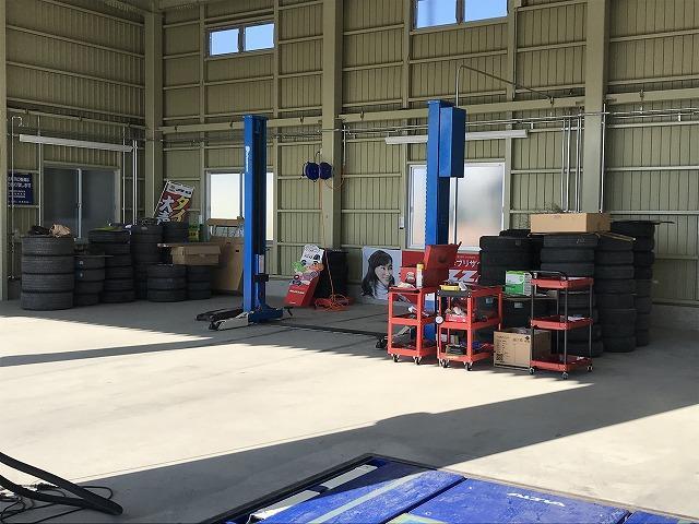 整備工場内は常に整理整頓を心掛けております。