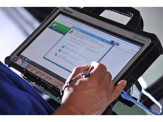 当店で使用している診断機は、ディーラーと同じ専用診断機になります。