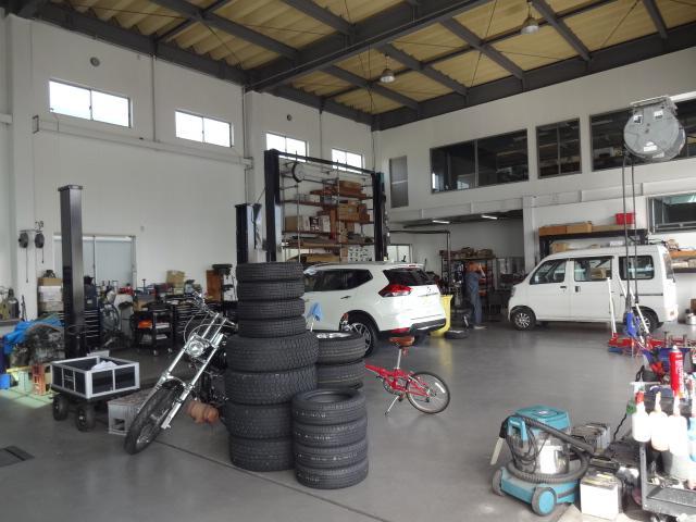 国産車はもちろん、輸入車の整備もお任せください。