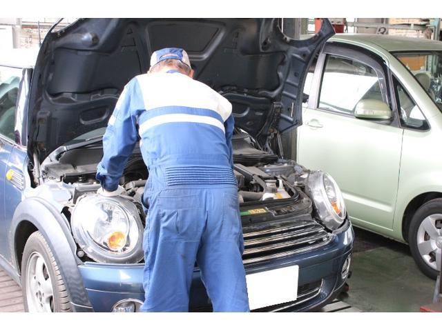 輸入車の整備、メンテナンスも行っております。