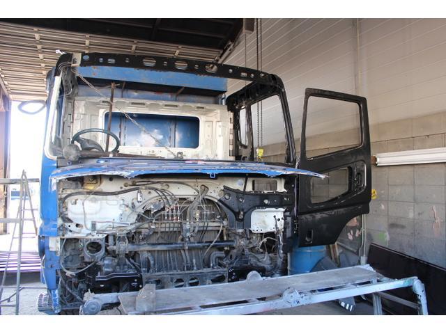 軽自動車や乗用車はもちろん、大型車の修理も行っております。