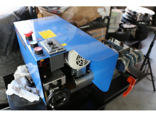 ローター研磨機あります。スリット、ドリルドローターも研磨します。