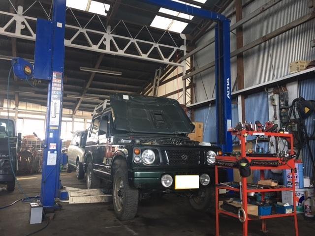 日常の点検、車検、修理、鈑金など、クルマのメンテナンスもお任せください!