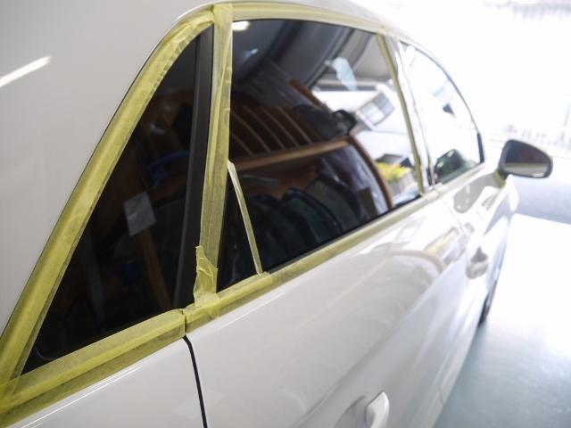大切な愛車にキズなどを付けてしまわないよう、細かな作業まで丁寧に仕上げます。