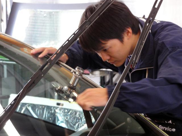 ウインドリペアや盗難対策など自動車ガラスについてのことならTSGにおまかせください。