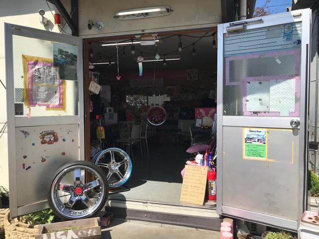 Sakura Base 店内入口