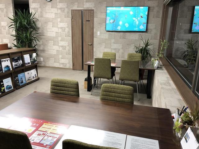 明るく清潔な待合室もございます!!毎日次亜塩素酸水にて除菌消毒しています!!