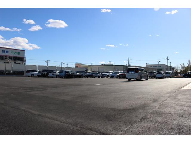 広々としたゆったり駐車スペースを確保!セコムで警備も万全にお客様の愛車を大切にお預かりいたします♪