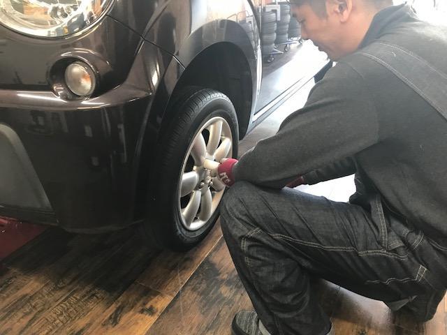 ドレスアップの基本は足元から。タイヤ、ホイール選びからお手伝いいたします。