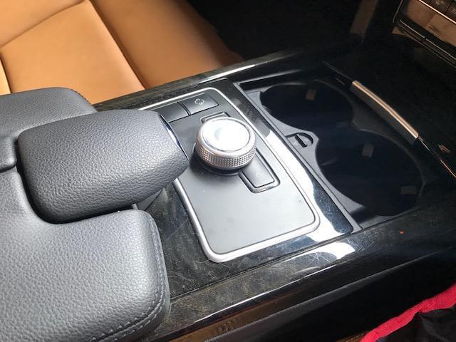 per Mercedes C-Calss W204 S204 E-Class W212 S212 A20468076079051 Copertura interna per console centrale KDOI
