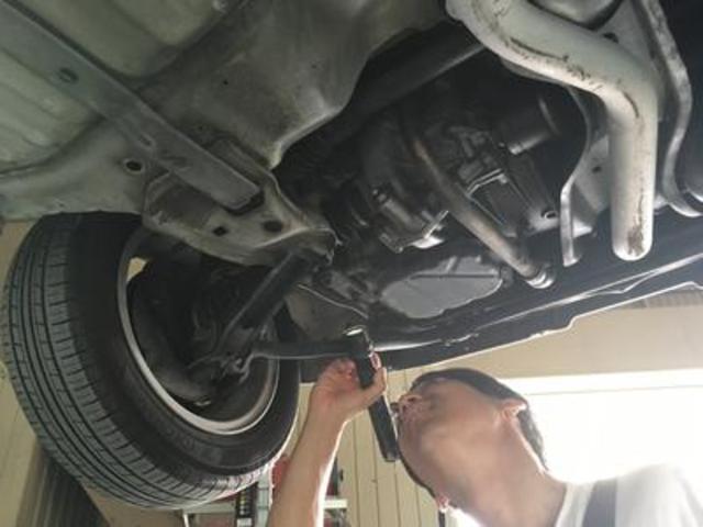 経験豊富な整備士が大切なお車をキッチリ整備いたします。