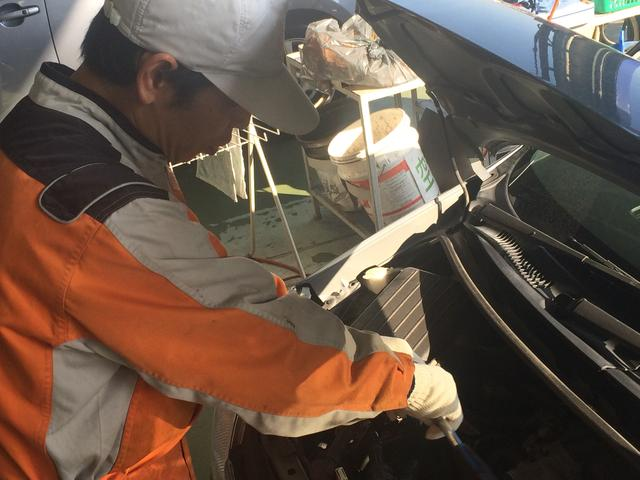 プロの整備士が車両の状態を把握、整備を行っております。