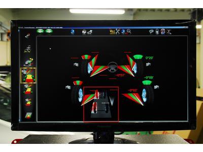 最新レーダー計測4輪アライメントテスター