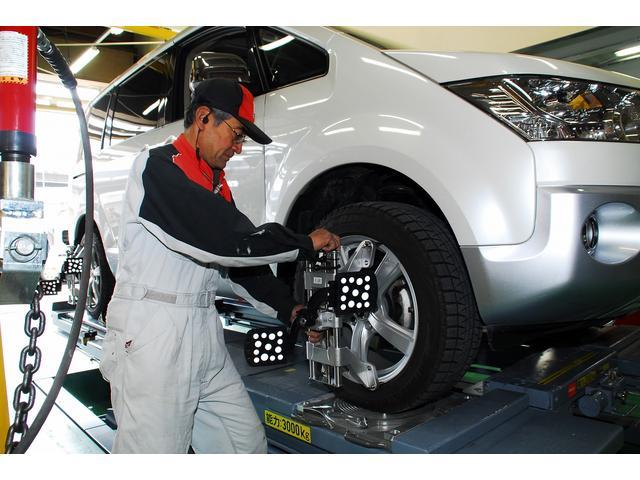 レーダー測定式4輪アライメントテスター。足回りの事故修理は勿論、インチアップ時にもオススメ