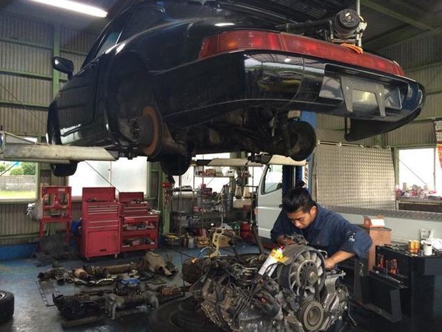 輸入車の整備を得意としてます。