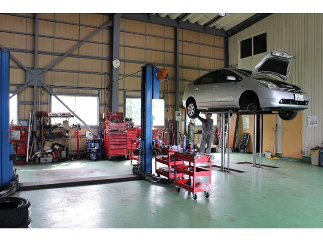 国で認められた認証工場完備で安心の整備を実施しております!