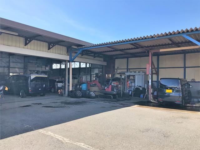 (有)東関自動車工業 ピット