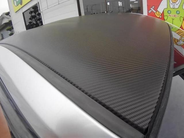 カーラッピングなども対応しております。最近の車に多い、ルーフ部分を黒・白くする事も出来ますよ。