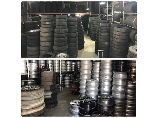 中古タイヤを常時2000本以上在庫しております。使わなくなったタイヤ、ホイールの買取も当店へ!