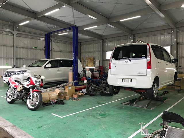 モーターガレージ金太郎です。車は勿論、バイクの整備やメンテナンスもお任せ下さい!用品取付大歓迎です!