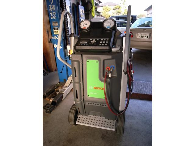 エアコンガス回収再生装置。冷媒ガスのクリーニングが可能です!